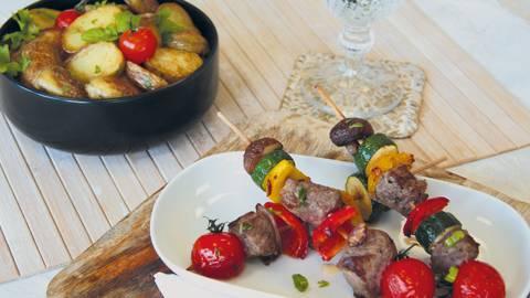 Bio-Weiderind Spiess mit Gemüse und Bratkartoffeln