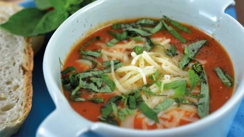 Tomaten-Brot-Suppe alla caprese