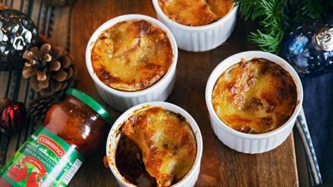 Mangold Lasagne mit Pinienkernen in Förmchen
