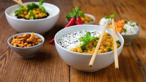 Veganes Kichererbsen-Curry mit Kürbis