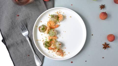 Litschisalat mit gebratenen Crevetten