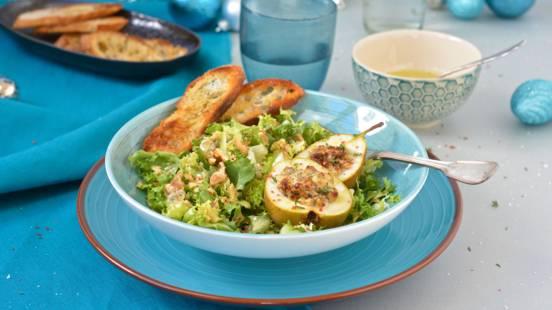 Stilton-Birnen auf Salat