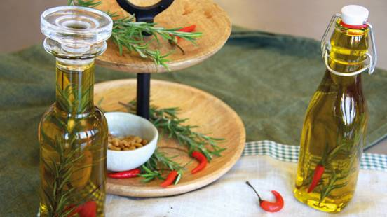 Rosmarin Knoblauch Chili Öl