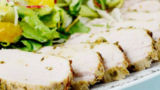 Schweinscarré mit Salat