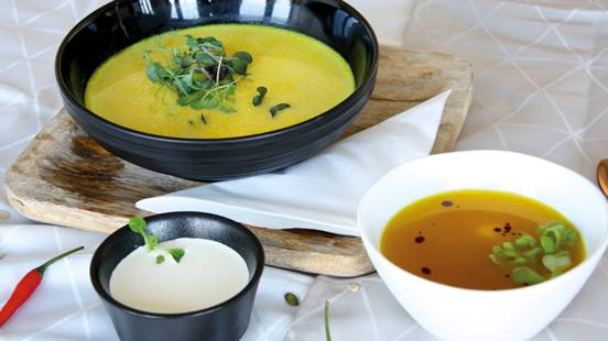 Herbstliche Kürbis-Curry-Suppe