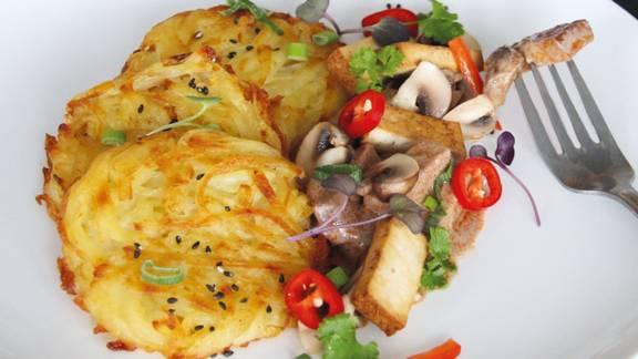Veganes Geschnetzeltes mit Tofu und Rösti