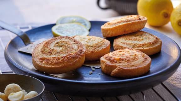 Zitronen-Macadamia-Schnecken