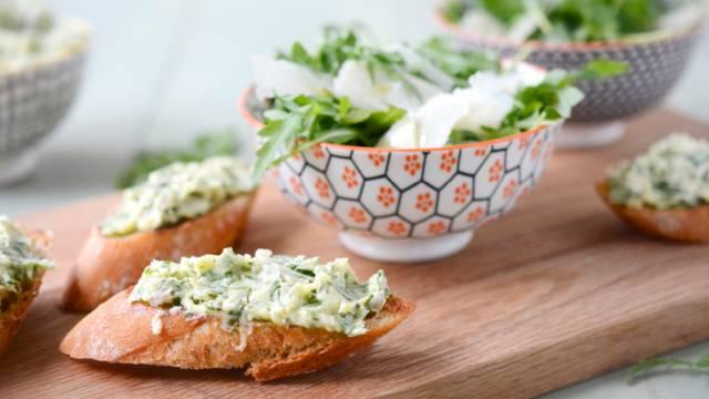 Rucola Zweierlei – Bruschetta & Salat