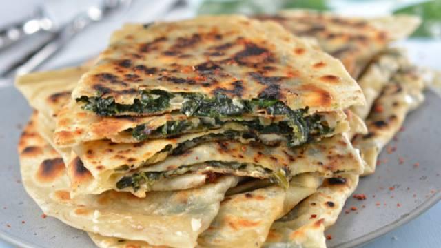 Gözleme mit Spinat & Hirtenkäse