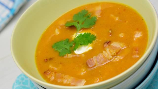 Speck-Süsskartoffel-Quinoa-Suppe