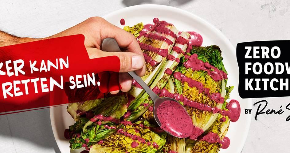 Gebratener Salat mit Blaubeer Dressing – Zero Foodwaste Kitchen