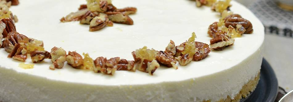 Joghurt-Torte mit Honig-Nuss-Topping