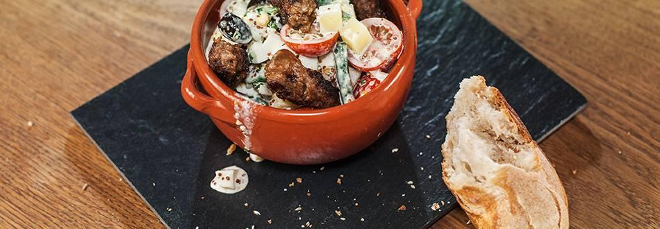 Cevapcici vom Rind auf Salade Niçoise
