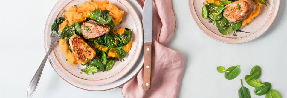 Schweinsfilet mit Süsskartoffelstock und lauwarmem Spinatsalat