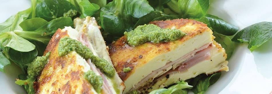 Weichkäse Cordon-Bleu mit Nüsslisalat-Pesto