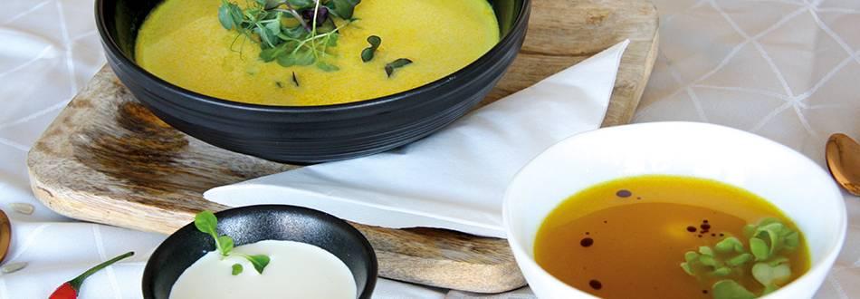 Herbstliche Kürbis-Curry-Suppe