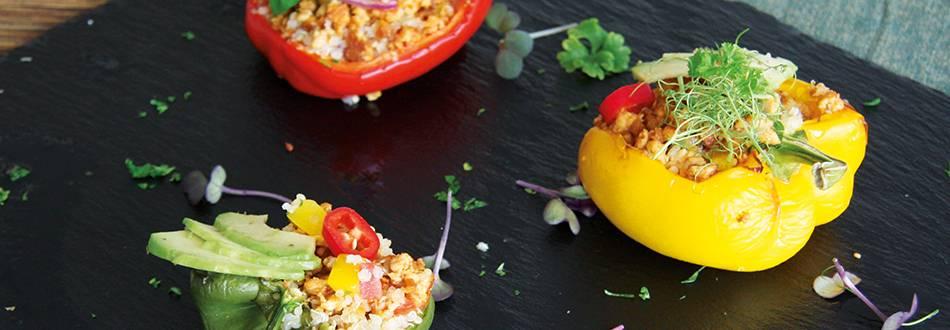 Gefüllte Peperoni mit Tofuhack und Quinoa
