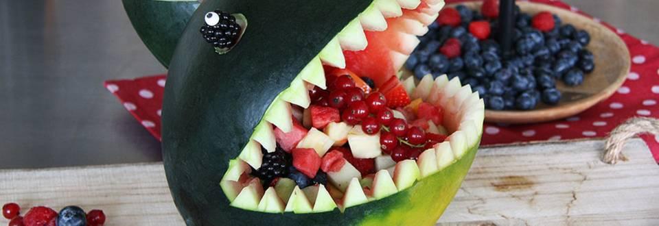 Melonen Hai mit Fruchtsalat